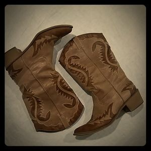 Coconuts Scorpion faux leather boots 9.5